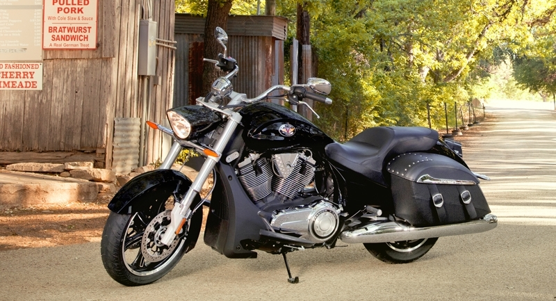 Cross Roads Hard Bagger ABS (2012)