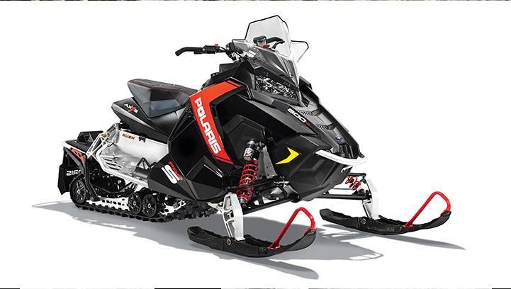 Новая подвеска PRO-XC позволяет модели быть чрезвычайно управляемой и лучше проходить повороты, также этот снегоход отлично подходит для плавной езды.