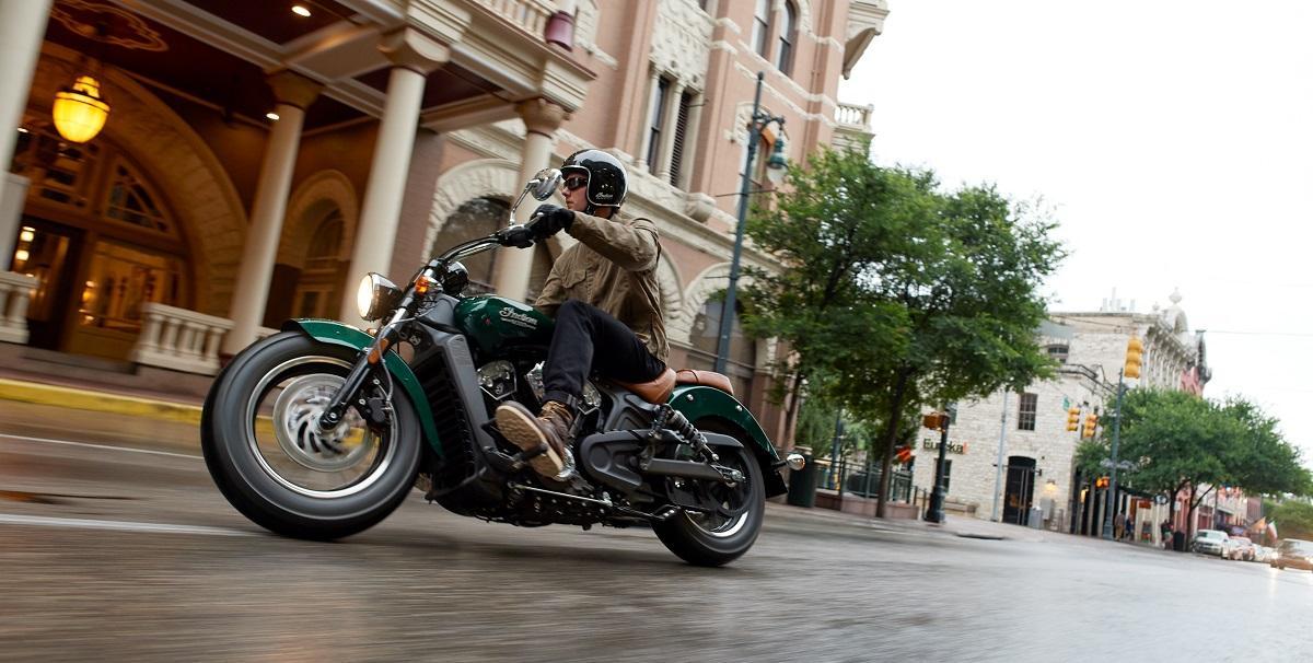Компания INDIAN MOTORCYCLE представила новый 2018 модельный ряд мотоциклов.